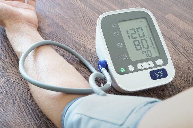 Кои точки върху тялото помагат за намаляване на кръвното без хапчета СНИМКИ
