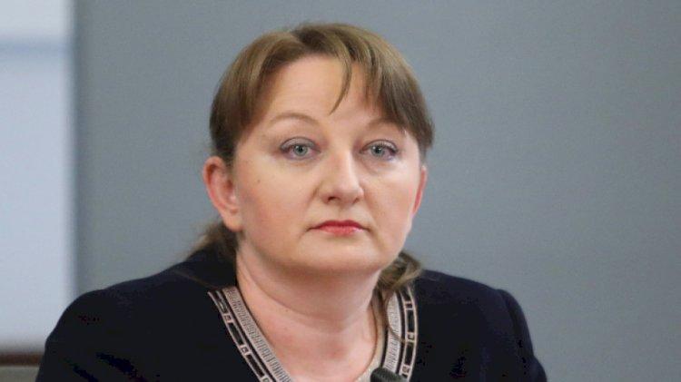 Сачева обяви още бонуси за пенсионерите и захапа Радев за контакти със съмнителни субекти