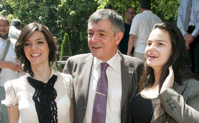 Щерката на екскмета Софиянски се раздели с гаджето си преди сватбата