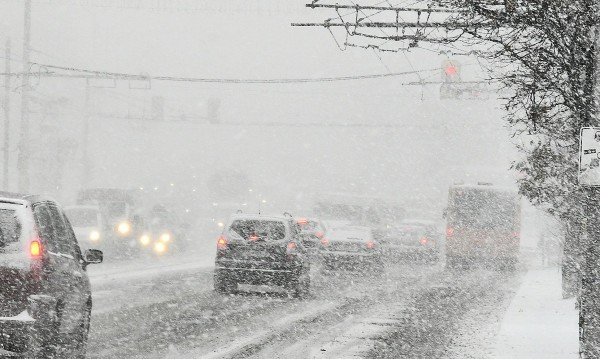 Живакът пада с 25 градуса! Сняг и дъжд ще валят в цяла България