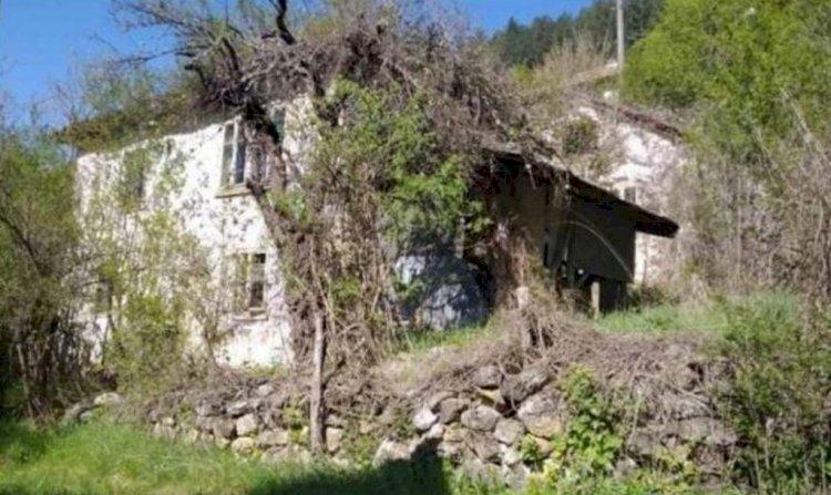 Силата на голямото сърце: Дядо Васил подарява къщата си на младо семейство в нужда