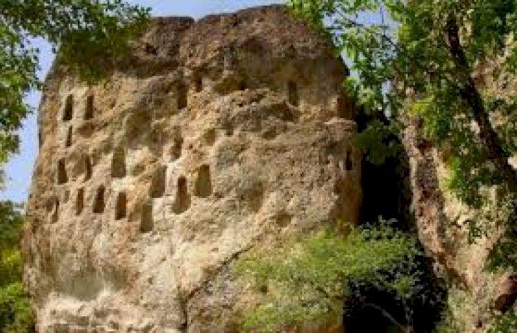 Чудати скали в Родопите поглъщат звука